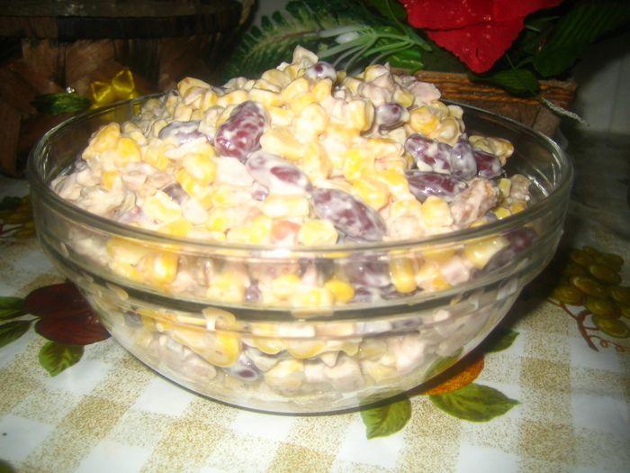 Рецепт салата с курицей, шампиньонами, перцем
