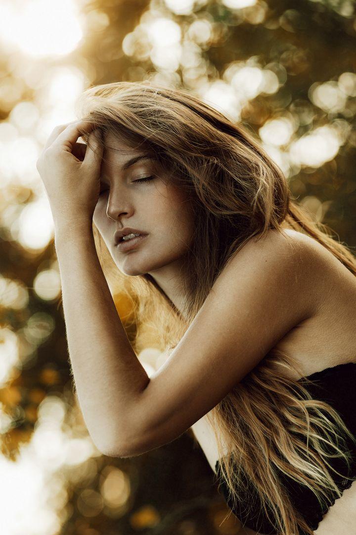 Portrait | Women | Outdoor | Shooting | Nora Scholz Photography | Beautiful | Beauty | Natural | Inspiration | Longhair | Summer | Melancholie | Model | Natur