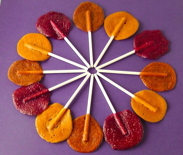 healthy fruit lolliesHomemade Fruit, Fruit Pop, Healthy Snacks, Fruit Lolly, Homemade Lollipops, Fruit Lollipops, Dehydrator Fruit, Fruit Leather, Healthy Fruits