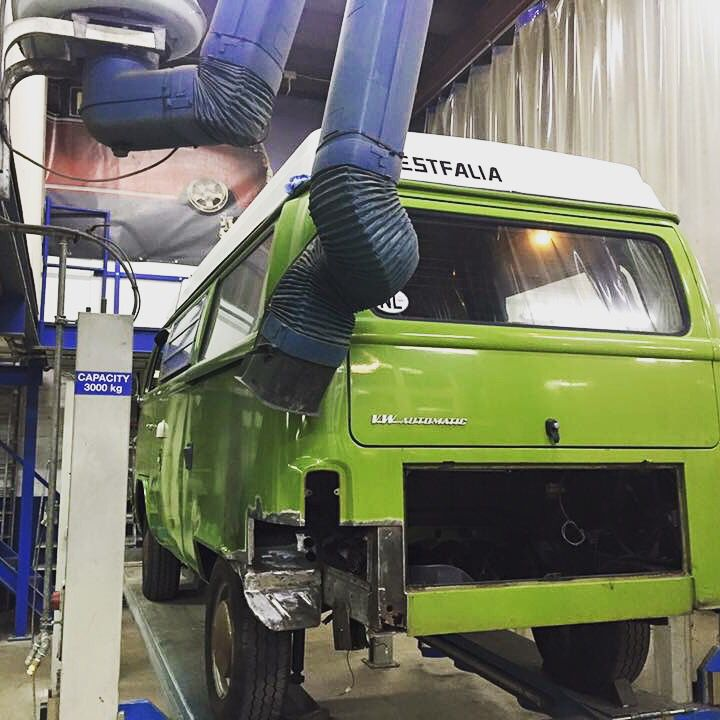This T2B is getting a make-over at our workshop. Welding, painting, overhauling the engine and gearbox.