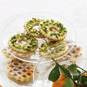 These wreaths are tailor-made for a Christmas cookie platter.