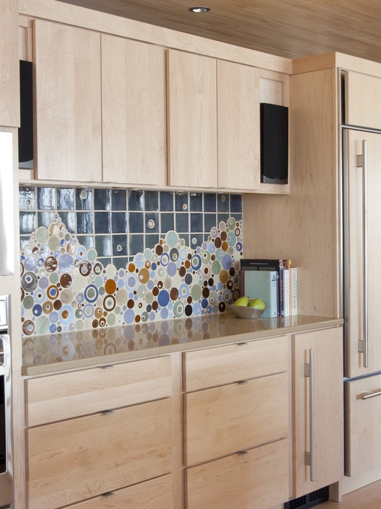 modern kitchen cabinet hardware love the edge pulls on the upper cabinets and drawers. Black Bedroom Furniture Sets. Home Design Ideas