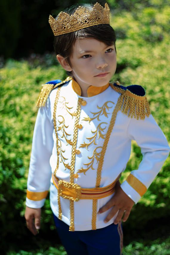 Luxury Prince Charming costume for boy in royal blue and gold Disney Cinderella king inspired outfit Halloween outfits ideas cosplay Wedding fashion ring bearer suit historical fantasy birthday party gift etsy crown Disneyland trip clothing