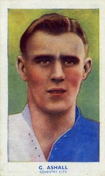 1939 R & J Hill Famous Footballers Series 1 #3 George Ashall Front