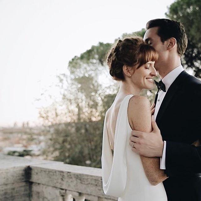 B+M // Oct 2016 / in the eternal city ❤️✨🌞 .  .  .  #wedding #realwedding #italianweddingvideographer #weddinginitaly #weddinginrome #roma #romantic #basilicadisanpietro #vatican  #love #HuffPostIDo #thedailywedding #junebugweddings #wayupnorth #tyingtheknot #followme #2become1video
