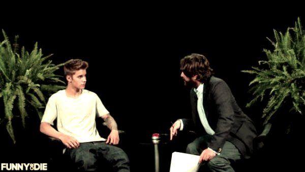 Funny or Die lo sketch comico in cui Bieber è preso a cinghiate!http://tuttacronaca.wordpress.com/2013/09/27/funny-or-die-lo-sketch-comico-in-cui-bieber-e-preso-a-cinghiate/