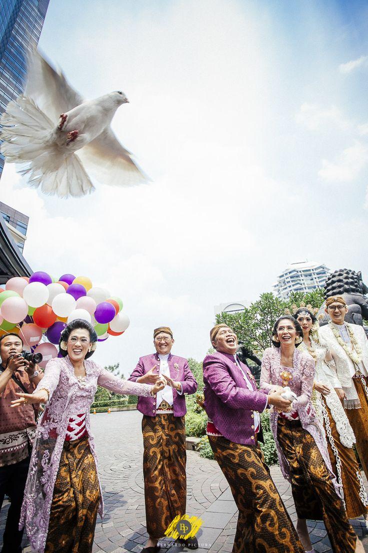 Traditional Wedding | Bernardo Pictura #wedding #bernardopictura #married #bride #groom #love #gown #white #prewedding