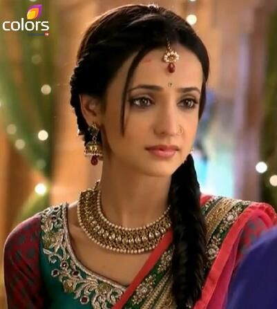 Sanaya Irani as Paro #Colors