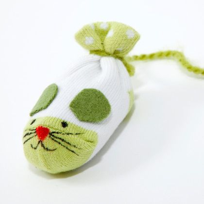 Catnip Mice | Easy Crafts for Kids -- Quick Arts and Craft Ideas -- Kids' Crafts | FamilyFun