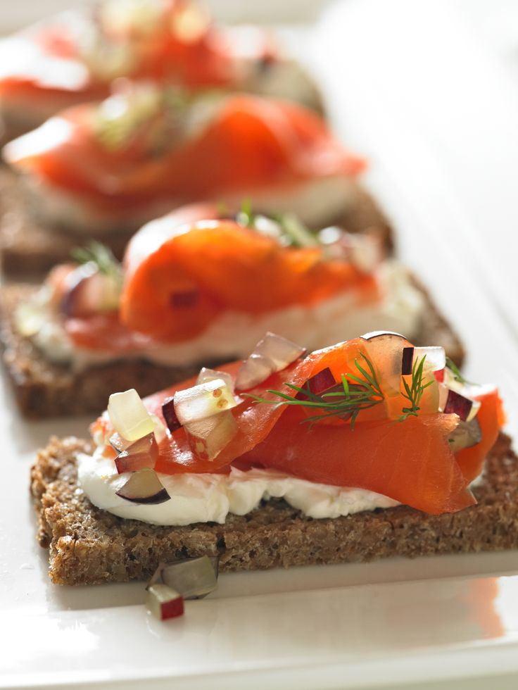 Smoked Salmon and Grape Appetizers