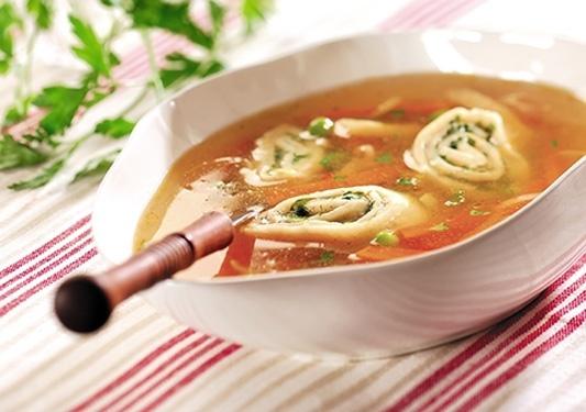 Zawijaski makaronowe z zupą/ Soup with twisted pasta, www.winiary.pl