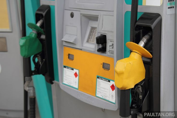 September 2016 fuel prices – RON 95, 97 both down!    Fuel prices for the month of September 2016 are in, and it's good news for (most of) Malaysian motorists. Starting from September 1, both RON 95 and RON 97 will be cheaper, while diesel will […] T   http://paultan.org/2016/08/31/september-2016-fuel-prices-ron-95-97-both-down/