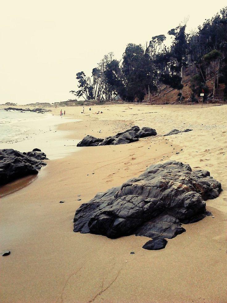 Papudo - Lone Beach by Sunao17