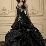 nice 34 Classy Halloween Wedding Dress Ideas to Makes You Look Stunning  https://viscawedding.com/2017/11/24/34-classy-halloween-wedding-dress-ideas-makes-look-stunning/
