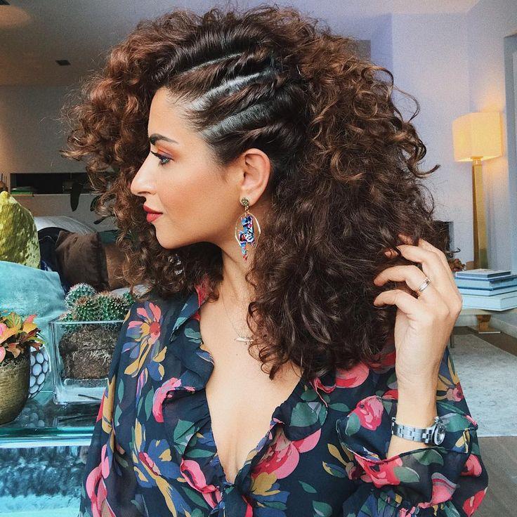 October 1st🍁   Penteados, Trança em cabelo cacheado, Penteado cabelo solto