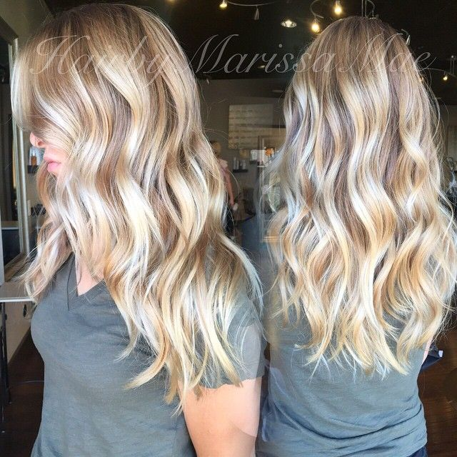 who doesn't love a bright blonde and beach waves!! #hairbymarissamae