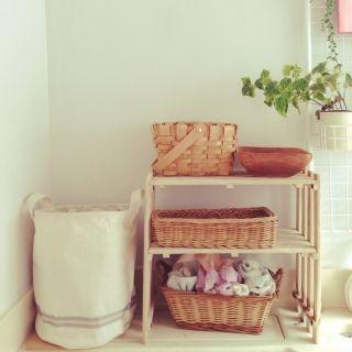 nonco's room photo about Bathroom,ダイソー,一人暮らし,ユニットバス,セリア,すのこ 棚,植物のある生活,かご好き, - RoomClip