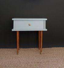 table de chevet années 60 bleu pastel