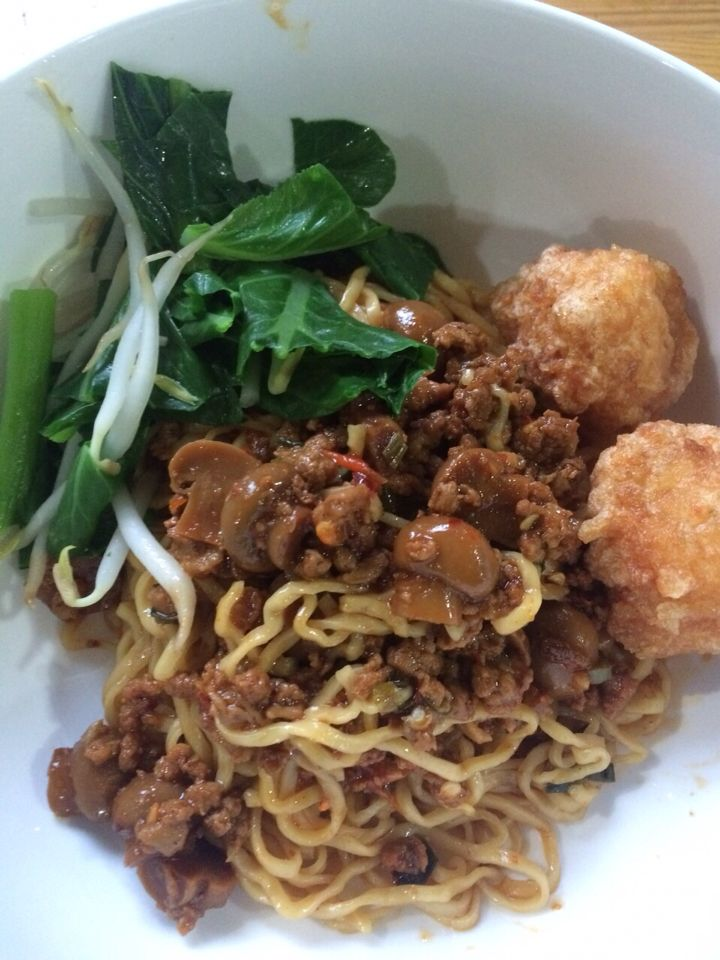 Sweet and Spicy Chicken Noodle with Fried Prawn Ball