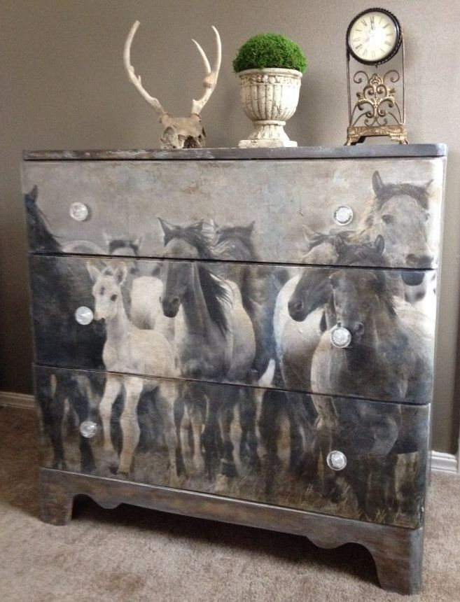 How To Use An Image Tranfer To Update An Old Chest Rustic Painted Furniturepaint Bedroom