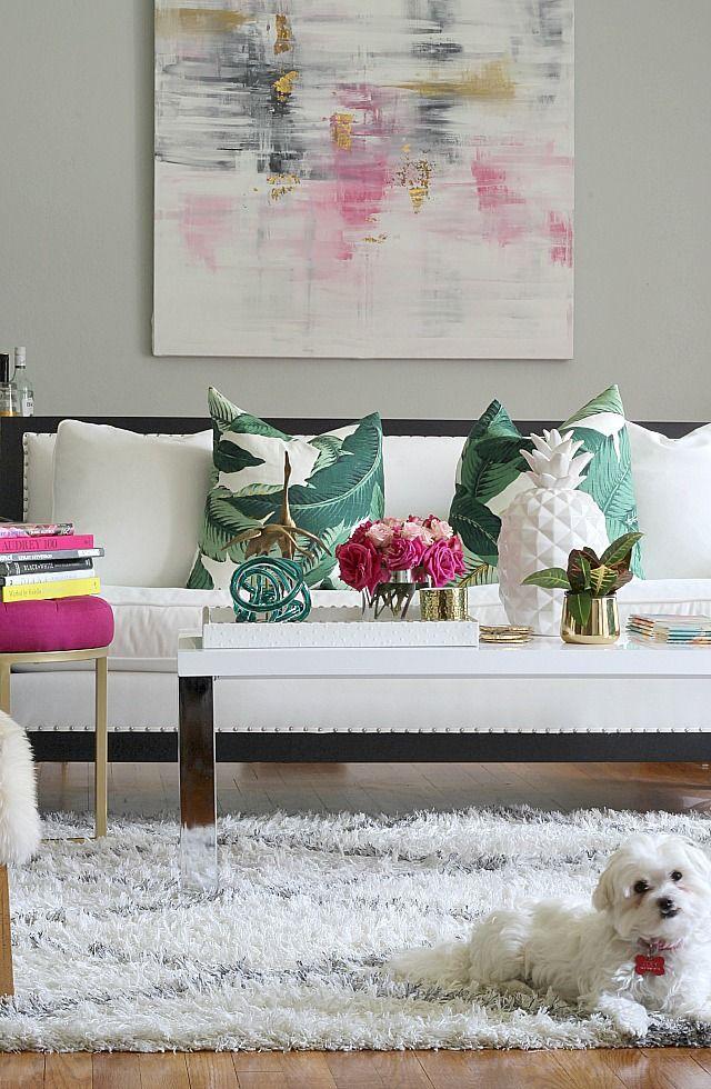 Salón tropical: piñas, plantas, colores y textiles frescos
