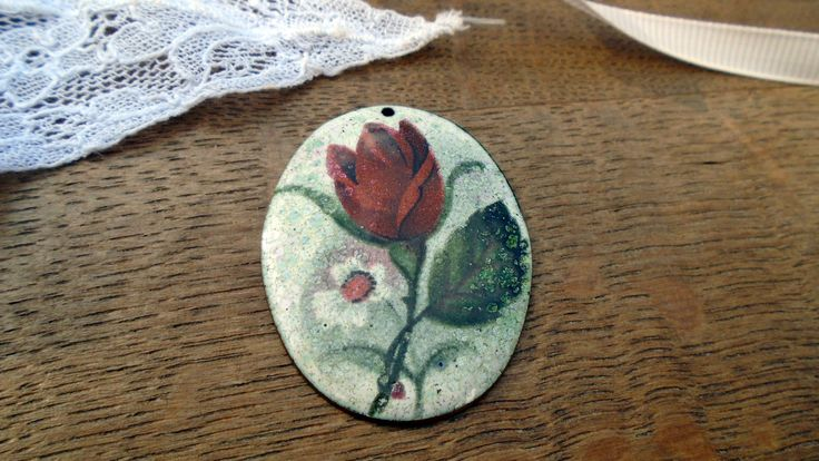 Vintage rose pendant dating back to the 1950s
