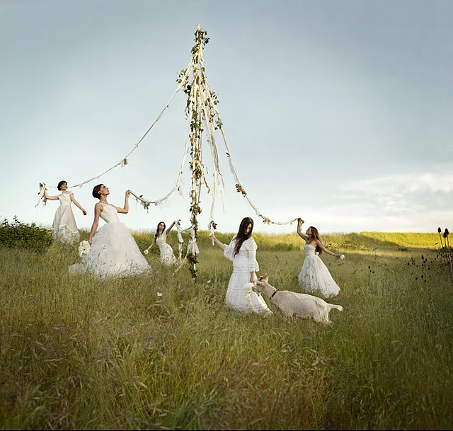 Brides on a maypole. I want to do something like this.