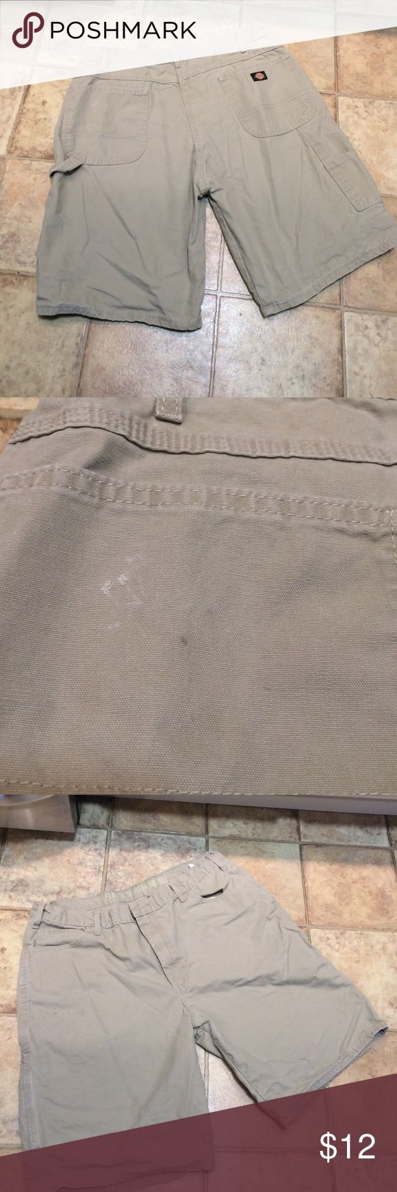 Dickies men's work shorts size 38 relaxed Loved has some flaws but in over good shape Dickies Shorts