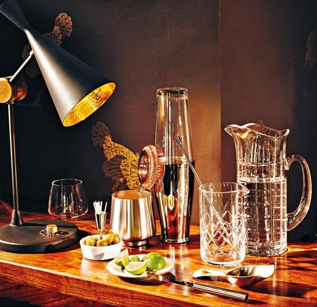 Hausbar-Zubehör in Glas und Metall