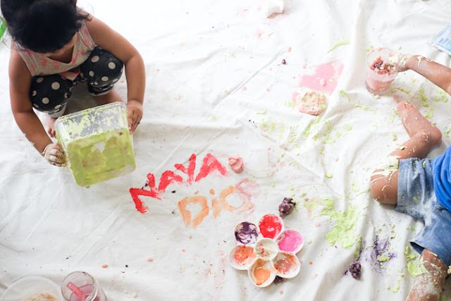 Homemade Finger Paint on our latest Unplanned Playdate - www.lifeatarcilland.com