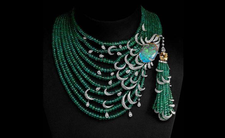 CARTIER. Esmeralda, ópalo y collar de diamante amarillo con diamante solitario. Precio por confirmar