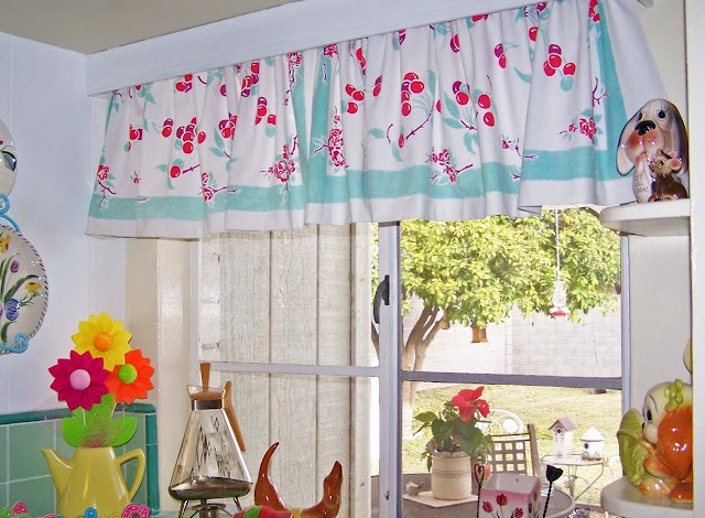 Vintage Tablecloth Into Kitchen Curtains. Aqua And Cherries....so Fresh.