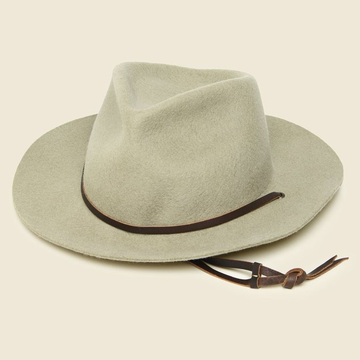 Inspired byclassic Americana western films, the Eastwood R Hat from Yellow 108 is a life-long classic. Sustainably made with salvaged leather and recycled mate