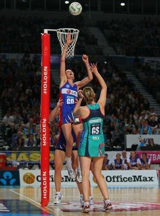 THE Northern Mystics have turned the netball world on its head by using a tactic akin to a rugby union lineout.