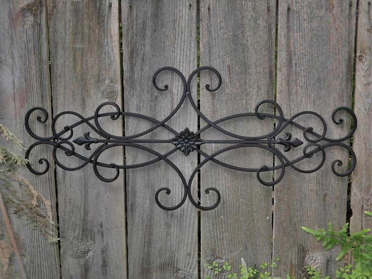 Summer sale wrought iron wall deco fleur de lis shabby for Outside wall art