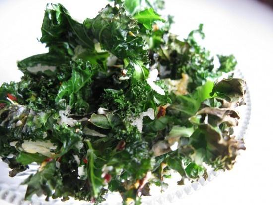 Mmmm....kale chipsMmmm Kale Chips, Beekman1802 Com P S, Easy Kale, Cravings Beekman1802 Com, Kale Chips Favorite, Healthy Food, Chips Favorite Snacks, Food Recipe, Beekman 1802