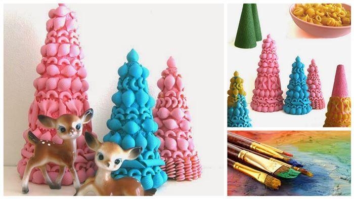 DIY Pasta Christmas Trees! So quick 'n easy yet so adorable! #kids #xmas #craft