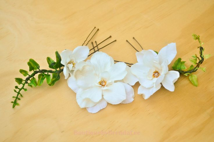BRENDA LEE A set of 3 Cream Delphinium Flower U pins and a set of green fern leavs/floral hair accessory 40929 by BoutiquebyBrendaLee on Etsy