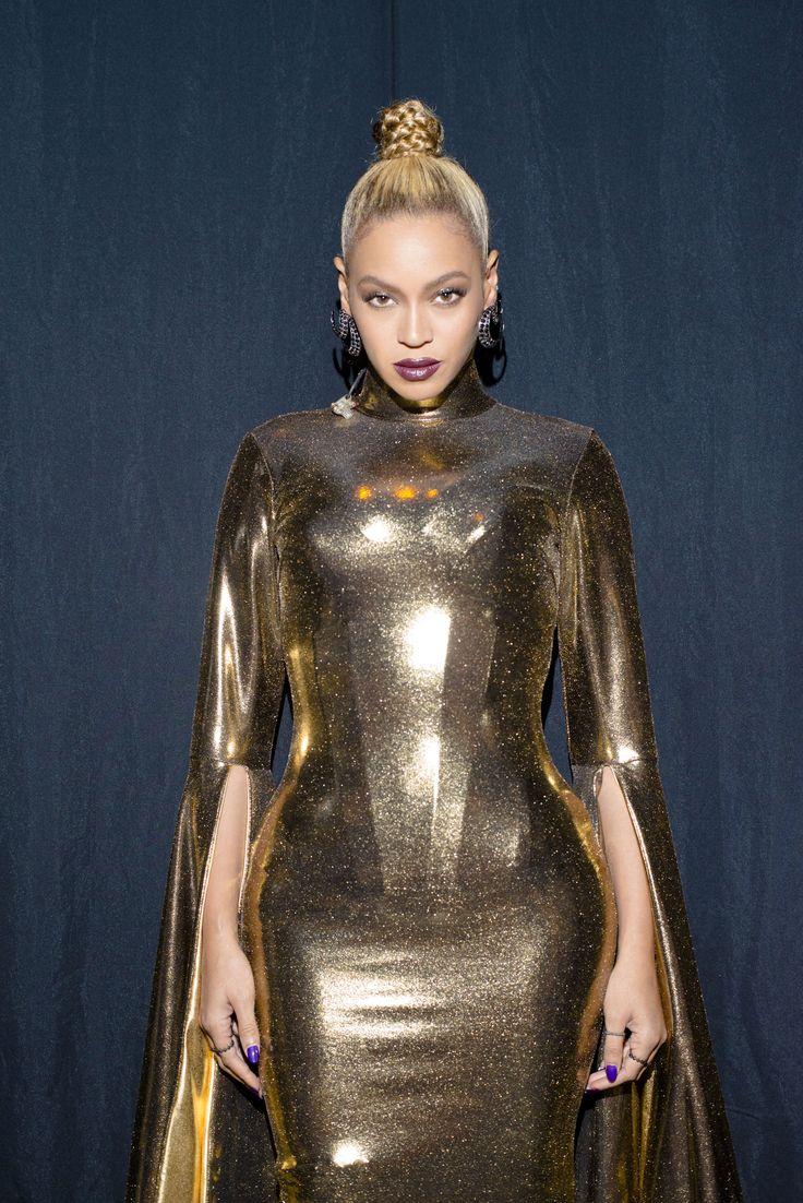 Beyoncé looking stunning