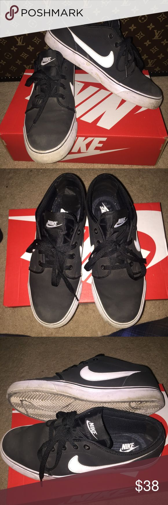 NIKE SB CANVAS JANOSKI Authentic Nike shoes. Black color with white Nike logo. No pen or paint marks. Worn good condition. Canvas bottoms like Vans sneakers. Canvas skate shoe. Stephan janoski. Shoe box included. ⭐️Pls view my Closet About section for reviews and comments. Price firm unless bundled. Nike Shoes Sneakers