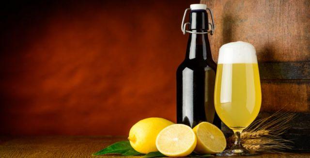 Ovocné pivo si můžete vyrobit i doma a bez chemie.