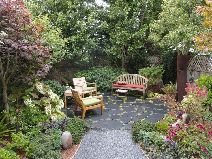 25 best ideas about garden sitting areas on pinterest for Outdoor sitting area ideas