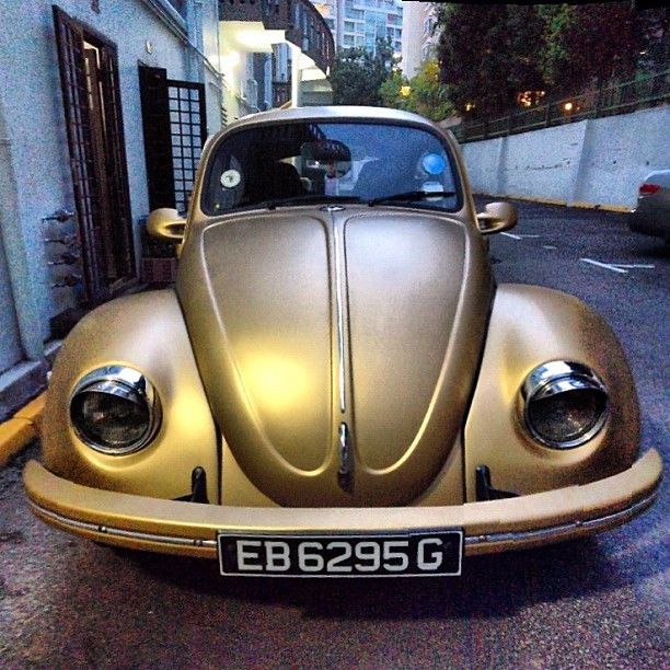 bsoemxb84  Can't get over this gold beetle. #vw #volkswagon #gold #car #singapore