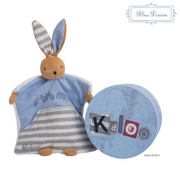 Kaloo ponúka aj hračky na maznanie neobyčajných tvarov. Napríklad tento modrý zajačik, s ktorým si môže vaše dieťa zahriať svoje ruky v zime :) Dostupné na http://goo.gl/tlksne .