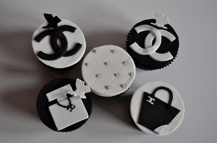 Coco Chanel themed Black and White Cupcakes.