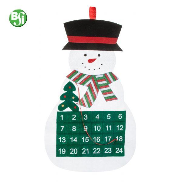 Calendario dell'avvento in feltro a forma di pupazzo di neve.  #calendar #gadget #natale #gift #gadgetpersonalizzabile #pupazzodineve