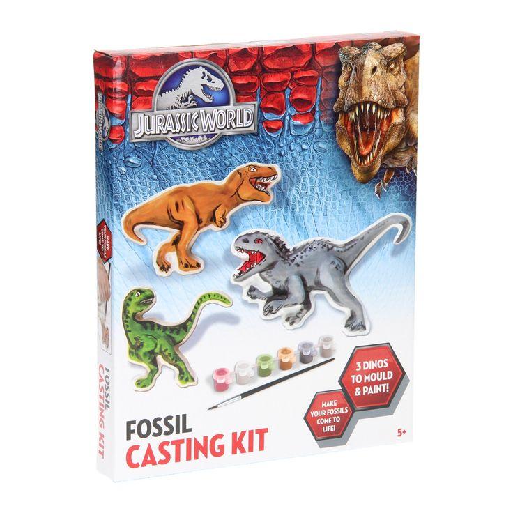 Maak je eigen gipsen dino's met deze knutselset. Vul eerst de 3 dino's in de 3 mallen met het bijgeleverde gips. Als je dino's hard zijn, kun je deze beschilderen met de bijgeleverde 6 kleuren verf inclusief kwast. Afmeting: verpakking 21 x 26,5 cm - Jurassic World Gips Gieten Dino
