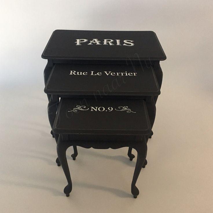"""Gerestylde bijzettafeltjes Queen ann Voorzien van Franse tekst: """"Paris"""""""