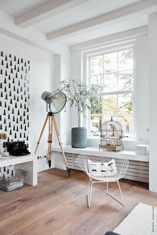 Cover just a part of the wall with wallpaper or paint it with stencils. (Source: biancaswohnlust.blogspot.nl)