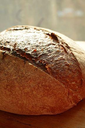 Обалденный хлеб, мне очень понравился, а как пахнет, а какой вкусный, особенно еще теплый с холодным молоком! А еще у него потрясающий мякиш, очень красивый, и тонкая корка. При этом он очень простой. За рецепт , конечно же, спасибо гуру хлебного дела Джеффри Хамельману, и Маше lunetta_mama, у нее…